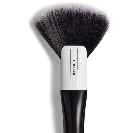 Image of   Makeup Revolution Pro 320 Large Fan Brush