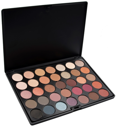 Image of   Crown Pro 35 Colour Timeless Eyeshadow Palette m. GRATIS SSo21 Blending brush.